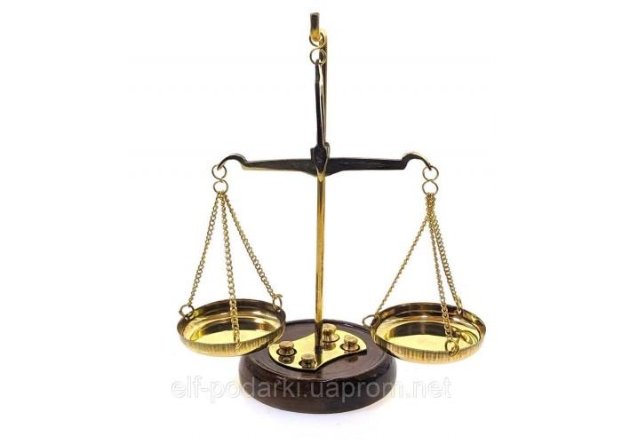 Ваги бронзові на дерев'яній підставці 10г 15х6х9см (24455)