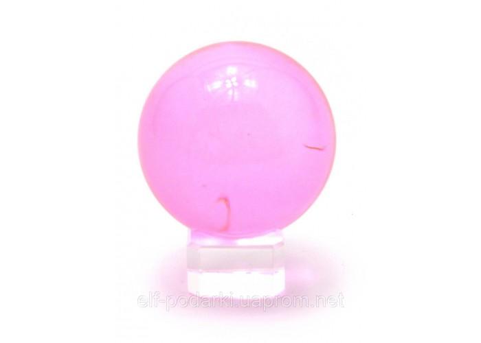 Кришталевий кулю на підставці рожевий 5см (28855)